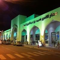 Photo taken at Prince Mohammad Bin Abdulaziz International Airport (MED) by KinĞ Ł๑ҝฮ༄࿐ on 11/24/2012