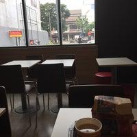 Photo taken at McDonald's by Ganthoer on 5/7/2016