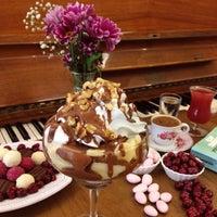 10/23/2015 tarihinde Ata A.ziyaretçi tarafından Hümaliva Çikolata & Kahve'de çekilen fotoğraf