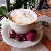 9/28/2015 tarihinde Ata A.ziyaretçi tarafından Hümaliva Çikolata & Kahve'de çekilen fotoğraf