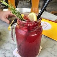 Das Foto wurde bei Café del Sol von ttocS e. am 7/29/2017 aufgenommen