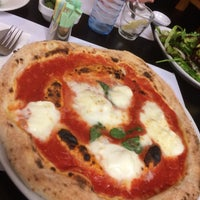 Photo taken at Pizzeria Mari by Hadi S. on 4/4/2015