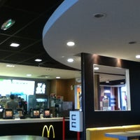 Photo prise au McDonald's par Montel L. le11/25/2012