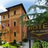 Photo taken at Villa dei Platani designrelais (a four star hotel) by Liz C. on 2/14/2014