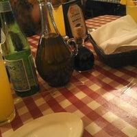 Foto tomada en Italianni's por Patricia M. el 12/29/2012