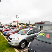 Photo taken at Indy Luxury Auto by Indy Luxury Auto on 5/30/2017