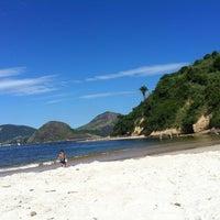 Foto tirada no(a) Praia de Boa Viagem por Gy L. em 12/8/2012