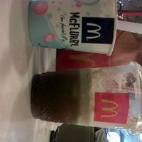 Photo taken at KFC / KFC Coffee by Ezra M. on 1/25/2013