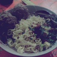Photo taken at Mie Ayam Baso Jabrig by Satria W. on 10/2/2013