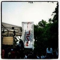 Photo taken at Universitas Esa Unggul by farandi agesti r. on 9/19/2012
