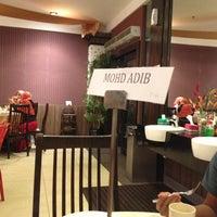 Photo taken at Restoran Simpang Tiga by Zulhilmi R. on 7/23/2013
