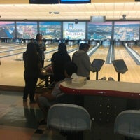 Foto tomada en Sam's Town Bowling Center  por Happy Cappy L. el 11/22/2012