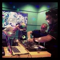 Photo taken at KLpop Radio Konti by Faiz Kech on 7/23/2013