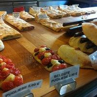 11/22/2012 tarihinde Philip S.ziyaretçi tarafından Pizza Nostra'de çekilen fotoğraf