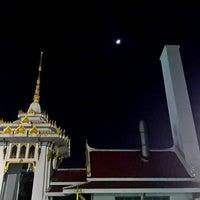 Photo taken at ศาลา 7 วัดนครสวรรค์ by beaw k. on 10/10/2013