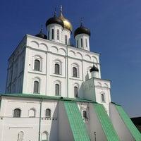 Снимок сделан в Псковский Кром (Кремль) / Pskov Krom (Kremlin) пользователем Andrey B. 5/4/2013