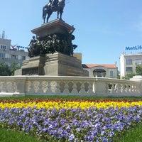 5/5/2013 tarihinde Bebo H.ziyaretçi tarafından пл. Народно събрание (Narodno sabranie Sq.)'de çekilen fotoğraf