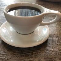 Photo taken at Birch Coffee by Zee Kid on 8/11/2017