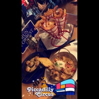 Photo taken at Bubba Gump Shrimp Co by Suliman .. on 5/21/2017