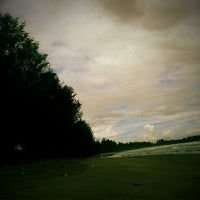 Photo taken at Gawu Sifakiki (Pantai Berbunyi) by Kinton A. on 7/9/2013
