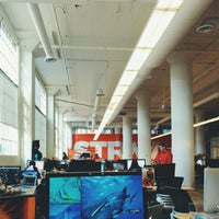 Photo taken at Strava HQ by Steve Y. on 12/5/2013