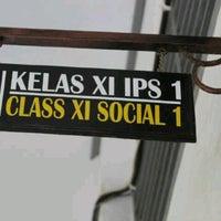 Photo taken at SMA Negeri 5 Makassar by novi a. on 1/30/2013