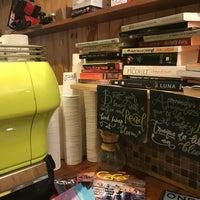 Photo prise au Bloom Specialty Coffee par Marcos G. le6/18/2018