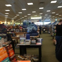 Photo taken at Barnes & Noble by Marcus B. on 12/22/2012