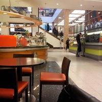 Foto tirada no(a) The Q. Food Court por Seth E. em 12/7/2012