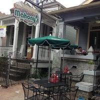 Foto diambil di Mahony's Po-Boy Shop oleh Ivy S. pada 7/6/2013