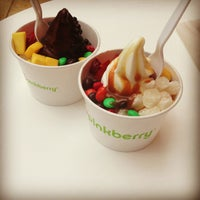Photo taken at Pinkberry by Bloody M. on 3/30/2013