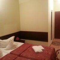 Photo taken at Hotel Decebal by Lubomir P. on 9/6/2013