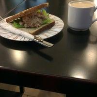 Снимок сделан в Coffee Bean пользователем Юлия Ф. 11/19/2013