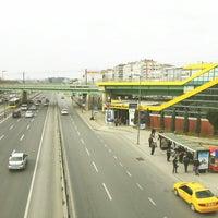 Photo taken at Merter Metro İstasyonu by Veysel K. on 3/3/2013