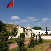 5/22/2013 tarihinde Çaglar P.ziyaretçi tarafından Şükrü Paşa Anıtı'de çekilen fotoğraf