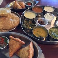 รูปภาพถ่ายที่ Swad Indian Restaurant โดย Paul เมื่อ 1/18/2015