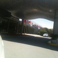 รูปภาพถ่ายที่ Hilton Istanbul Convention & Exhibition Center โดย Fatih S. เมื่อ 4/23/2013