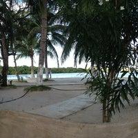 Foto tirada no(a) Ilha Carlito por Juçara H. em 7/23/2013