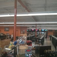 Photo taken at Richard's Liquor & Fine Wines by mark m. on 9/17/2013