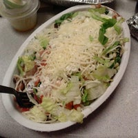 Photo taken at Chipotle Mexican Grill by Stena G. on 2/20/2014