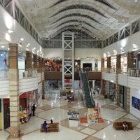 Foto tirada no(a) Shopping Pátio Dom Luis por Victor T. em 3/19/2013