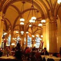 Photo prise au Café Central par Denys Z. le4/16/2013