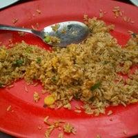 Photo taken at Blenger Chinesse Food by Oki B. on 1/29/2013