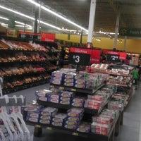 Das Foto wurde bei Walmart Supercenter von Randy J. am 2/16/2013 aufgenommen