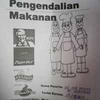 Das Foto wurde bei KFC Bentong von Siti Nor Atikah N. am 9/27/2017 aufgenommen