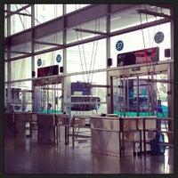 Photo taken at 杭州汽车客运中心 Hangzhou Passenger Transport Center by 薛 京. on 6/14/2013