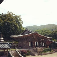 Photo taken at 보광사 (普光寺) by Mok S. on 6/16/2013
