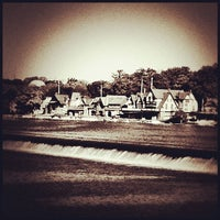 Foto scattata a Boathouse Row da Leigh Ann S. il 9/23/2012