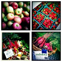 Photo taken at HeadHouse Square Farmers Market by Leigh Ann S. on 9/16/2012