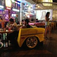 รูปภาพถ่ายที่ Big Yellow Taxi Benzin โดย Koray D. เมื่อ 7/15/2013